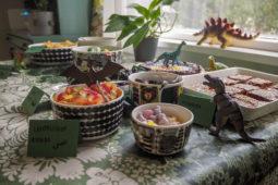 Dino-teemaiset syntymäpäiväjuhlat